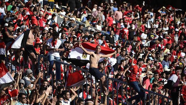 Aficionados de Egipto celebran que su equipo se consolida rumbo a Rusia 2018