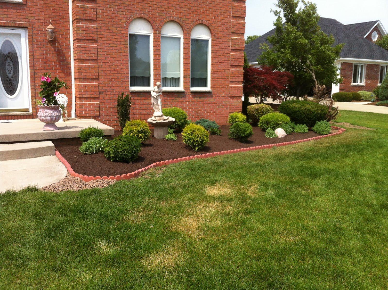 25 modern brick landscape edging pictures landscape ideas for Front yard edging ideas