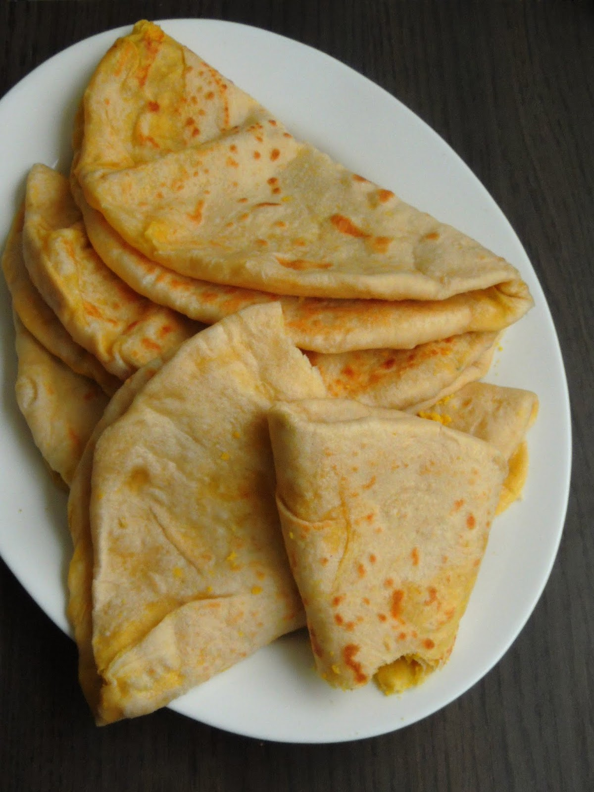 Priya's Versatile Recipes: Dhalpuri Roti/Trinidadian Dal Stuffed Flatbread