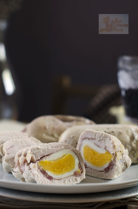pechugas-pollo-rellenas-salsa-pasas1