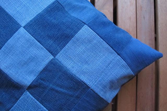 DIY gerecycleerd jeanskussen in mozaïek
