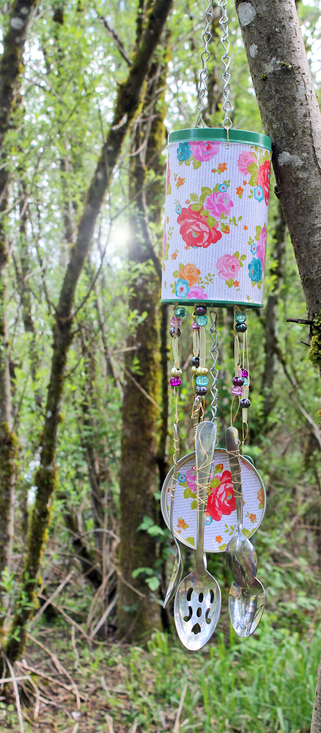 Punk projects diy recycled wind chime from a pirouline for Wind chime craft projects