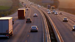 Αναρωτηθήκατε ποτέ γιατί στο Ηνωμένο Βασίλειο οδηγούν στην αριστερή πλευρά του δρόμου;