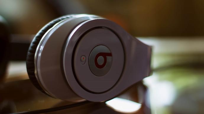 Wallpaper: Beats Headphones