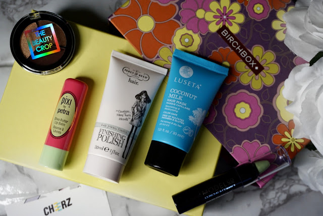 February Birchbox 2018 edition flatlay with beauty crop pixi percy&reed luseta and models co products
