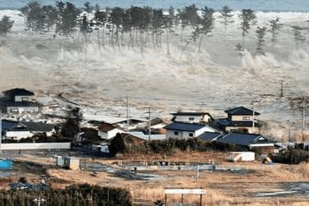 puisi tentang Tsunami Selat sunda pandegelang Banten dan lampung