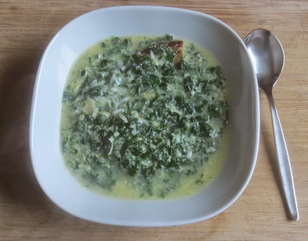 Zuppa di Spinaci alla Modenese - Spinatsuppe mit Parmesan