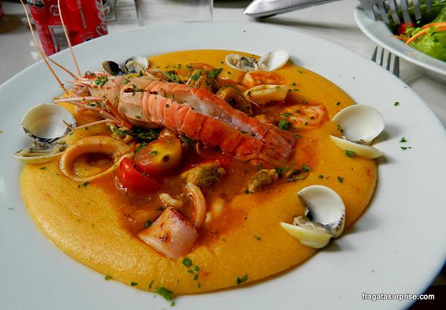 Polenta de mariscos do Restaurante Nomangue, em Copacabana