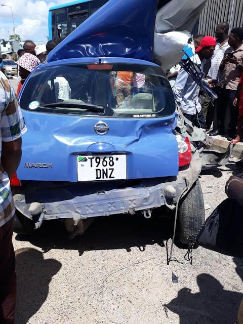 Dereva wa gari dogo aina ya Nissan March Afariki dunia baada ya gari hilo kugongana na Basi la Mwendokasi Dar
