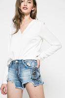 pantaloni-scurti-din-blugi-la-moda-vara-aceasta-12