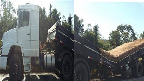 Caminhão se parte ao meio após cair em buraco na BR 364