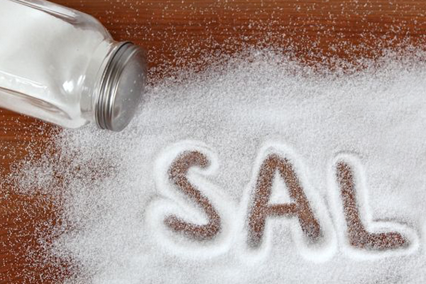 Eliminar puntos negros con sal