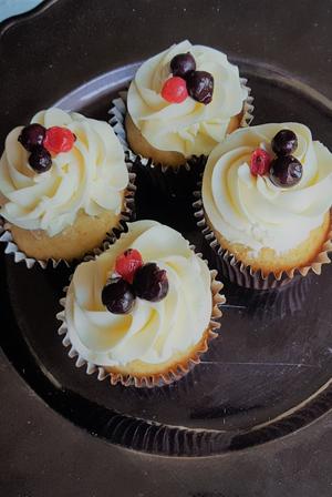 recetario-recetas-dulces-frutos-rojos-cupcakes-merengue