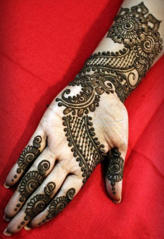 mehandi Designs for left hand front side