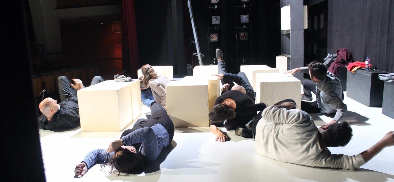 """Driades Teatro presenta: """"Salvajes"""""""
