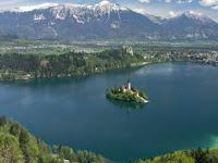 Dibalik Keindahan Danau Toba Dan Berbagai Wisata Yang Harus Dikunjungi
