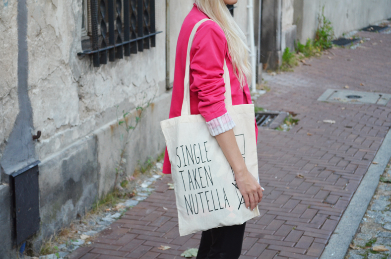 NOWHERE FASHION tee & bag, NEON PINK BLAZER & LEATHER LEGGINGS