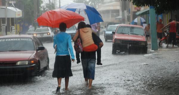 Más provincias en alerta por lluvias