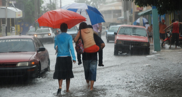 Alerta para nueve provincias por aguaceros