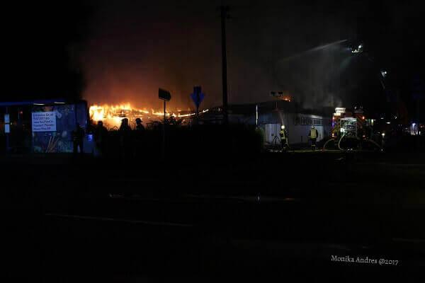 Feuerwehreinsatz in der Nacht / eigene kleine Welt