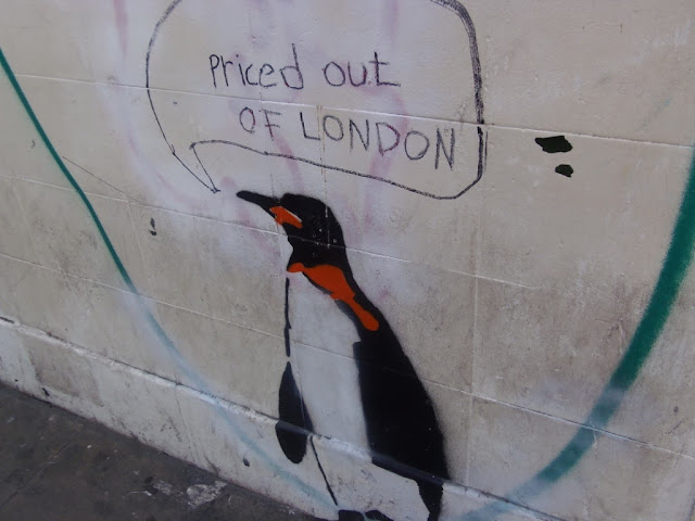 Penguin Street Art, Shoreditch. http://psychologyfoodandfitness.blogspot.co.uk/2016/08/travel-shoreditch-photo-diary.html