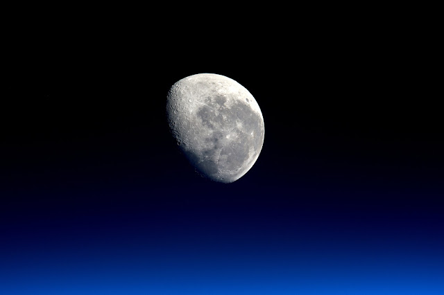 Moonset seen from the International Space Station