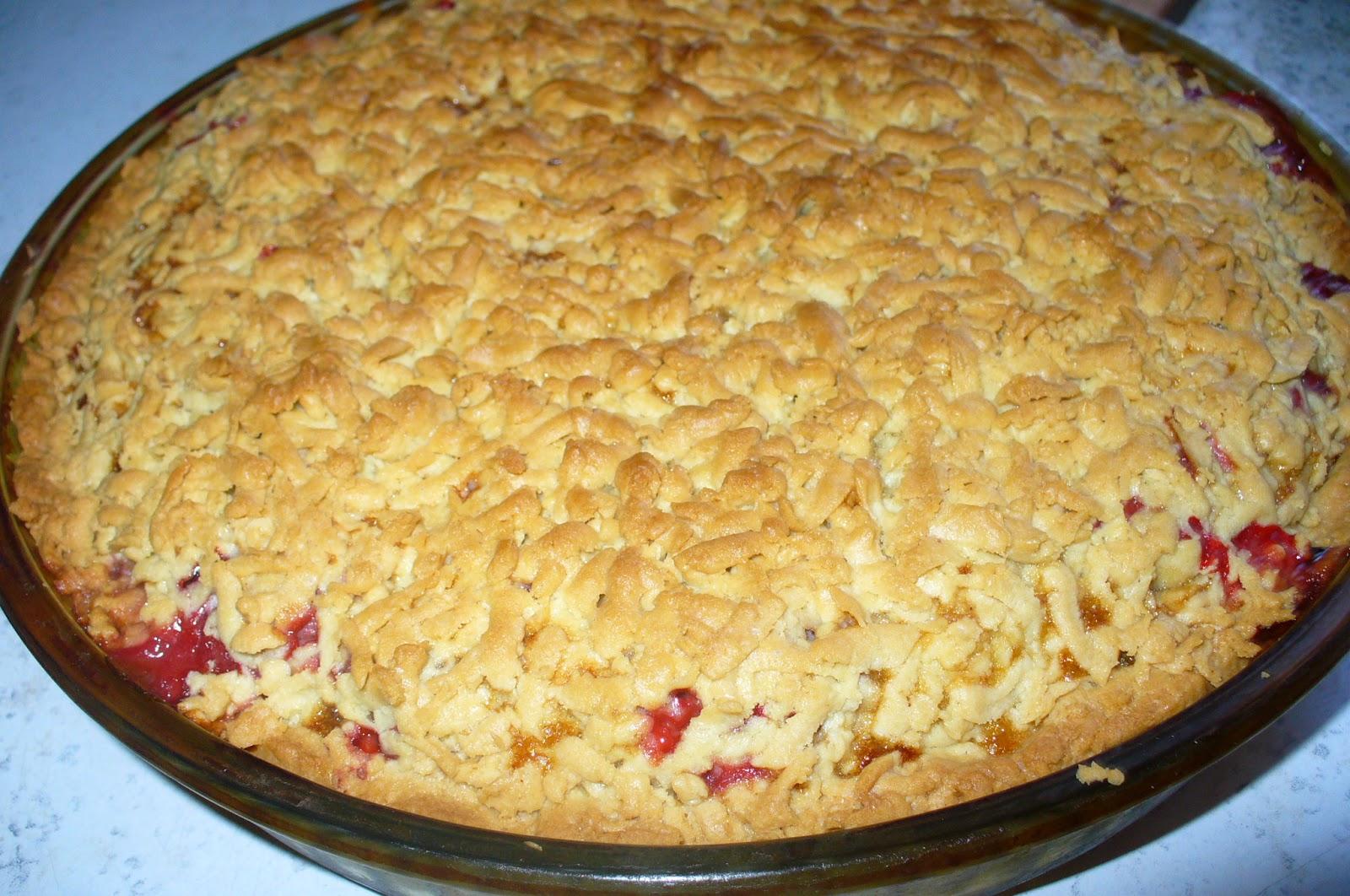 песочный пирог с ягодой клубникой