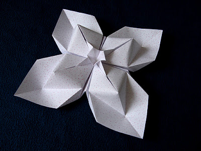 Origami Fiore a rombi - Diamond flower by Francesco guarnieri