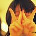 Ternyata Bahaya Lho Berfhoto dengan Pose Dua Jari Peace...!!!