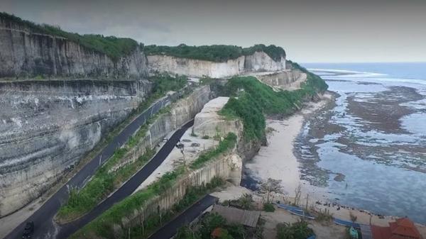 Indahnya Pantai Melasti di Ungasan Badung Bali