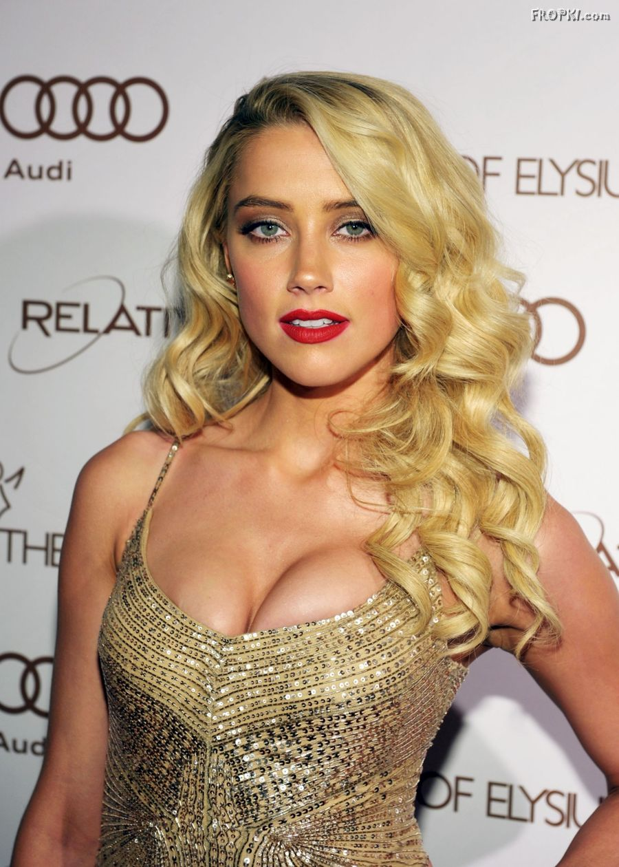 Amber Heard Is The Most Scientifically Beautiful Woman: Amber Heard Big Cleavages Photos