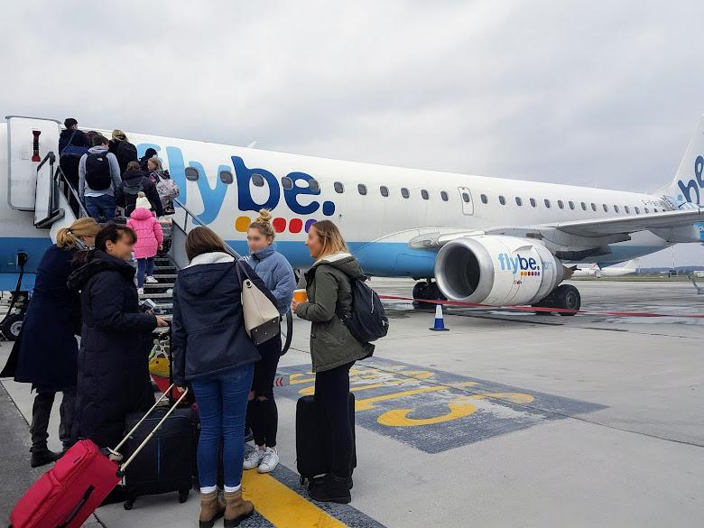 搭乘 Flybe 飛機來往法國