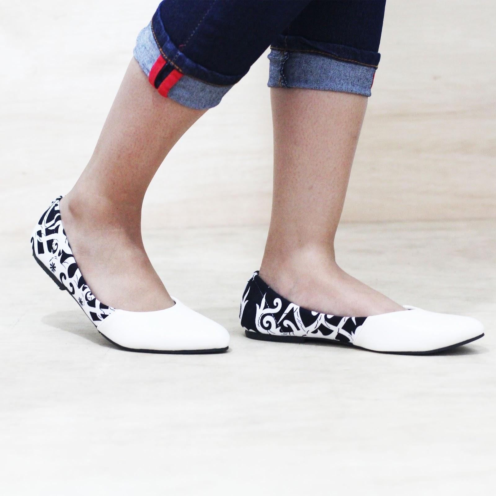 Sepatu Batik Borneo (Hitam)