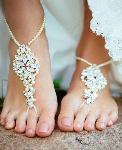 Dicas-para-criar-sandalia-descalca-Inspiracao-para-casamentos-em-praias.
