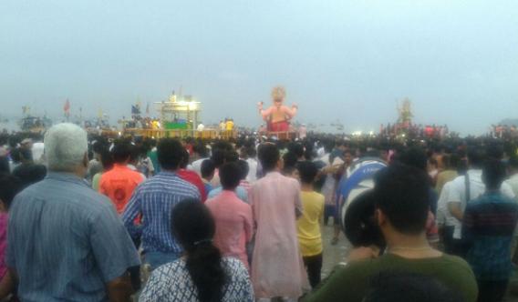 Lalbaugcha Raja 2016 Girgaon Chowpatty Visarjan