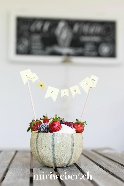 Foodblog Schweiz, Foodbloggerin Schweiz, Homemade Icecream, Eis selber machen, Glace selber machen, Melonenglace, Honigmelonen Eis, Foodfotografie Schweiz , Kreativblog, DIY Chalkboard, Chalkboard selber machen, Chalkboardletterin Schweiz