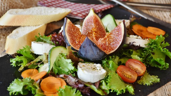 Salted Figs with Honey Salad