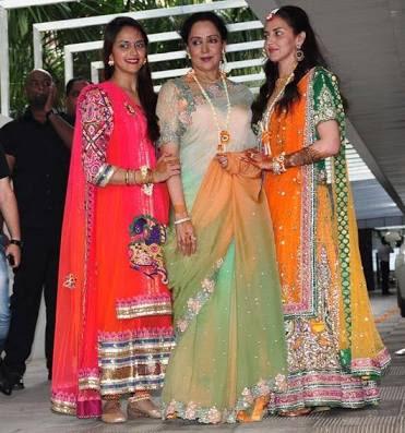 Esha-Deol-Wedding-mehendi1
