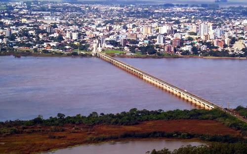Ponte internacional Getúlio Vargas e Rio Uruguai - Uruguaiana – RS