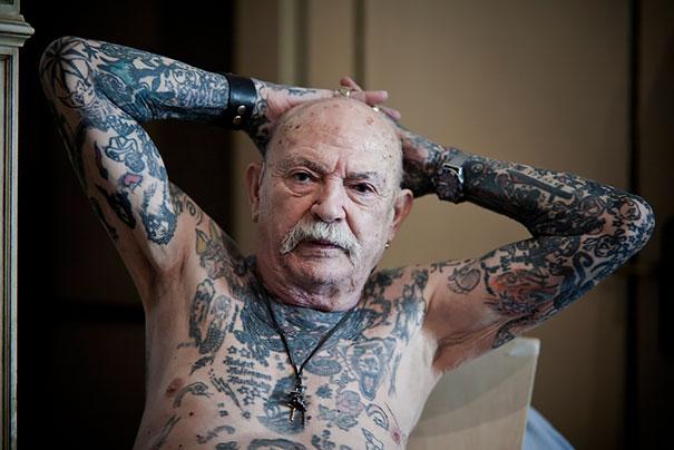 tattooed-elderly-people-20