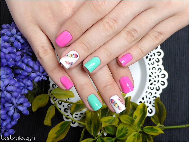 Neon i pióra