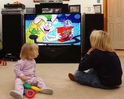 menonton siaran televisi