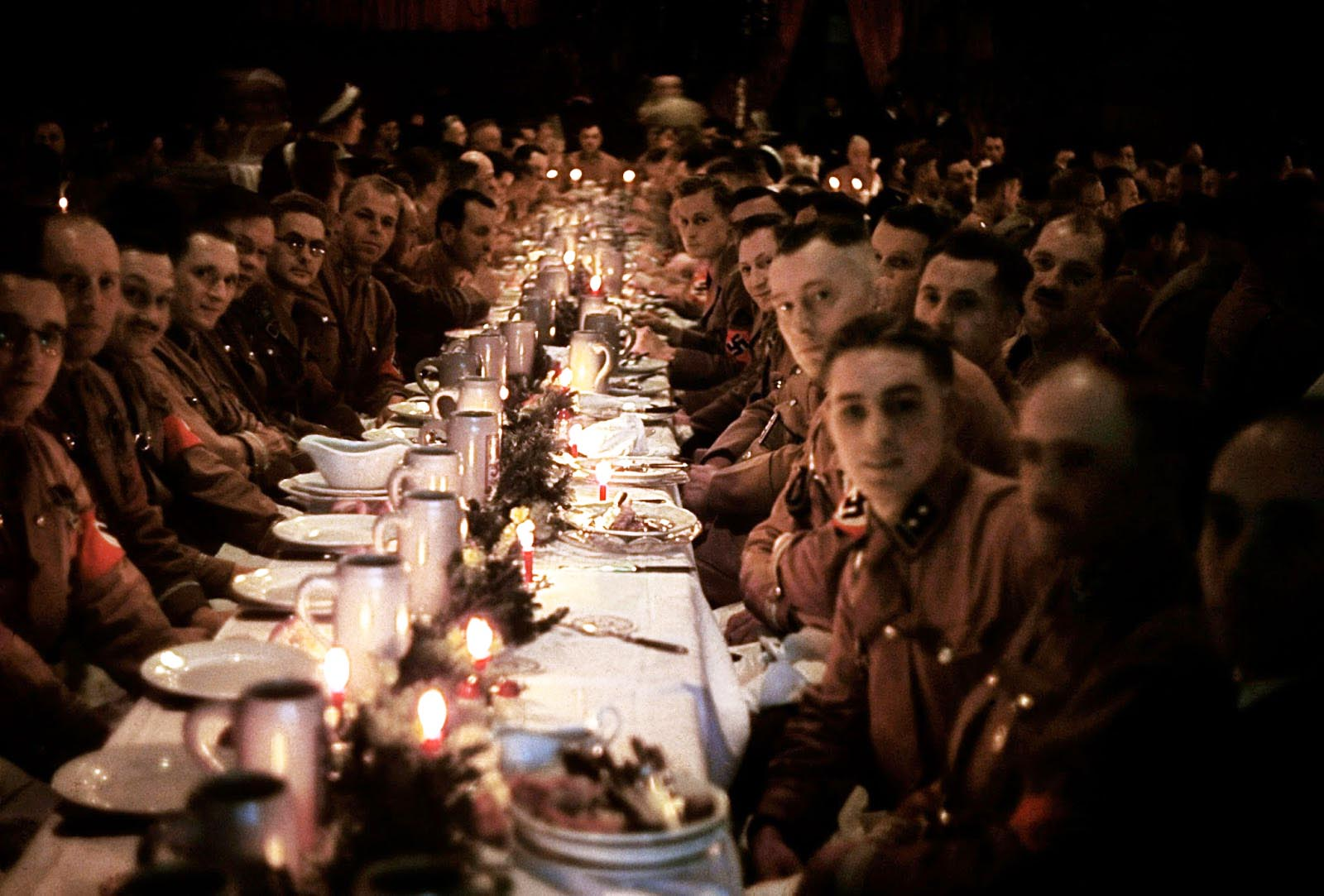 Officers and cadets begin their dinner.