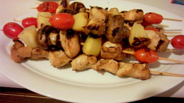 Hawaiian Chicken Kabobs are bursting with sweet and salty flavors, and are loaded with pineapple and tomatoes!  Slice of Southern