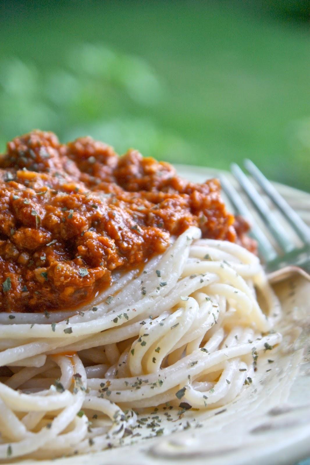 Spaghetti Alla Bolognese Vegan Helyn S Plant Based Kitchen