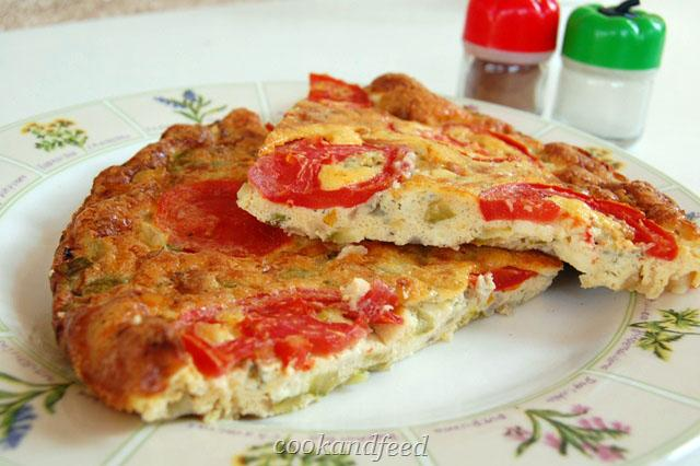 ομελέτα φούρνου με κολοκυθάκια και μπλε τυρί