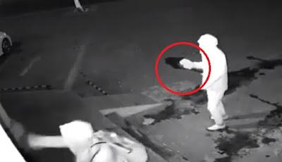 Dua pencuri bodoh