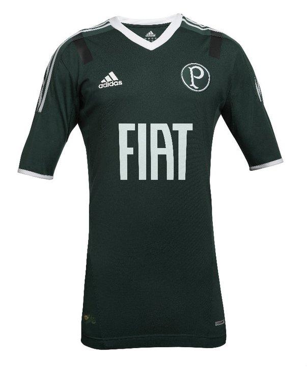 7d9dee6e2d A Adidas caprichou na produção do novo uniforme do Palmeiras. A nova camisa  titular foi inspirada no título da Copa Rio de 1951