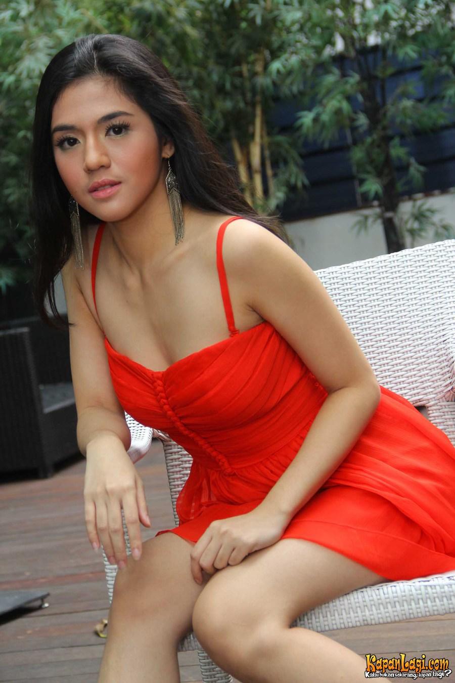 DJ Hot Putri Una Berbagi Pose Seksi Cantik Dan Imut