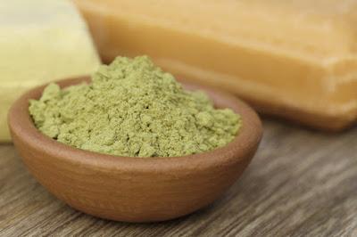 Argile verte pour traiter la peau flasque